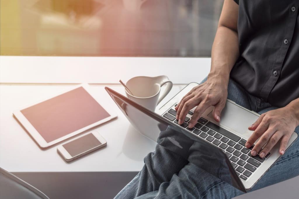 プログラミングとは|学ぶメリットや仕事の種類、おすすめアプリを解説 | ビギナーズ